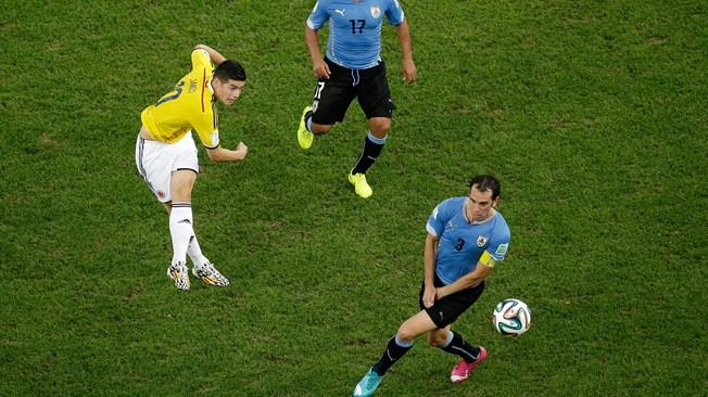 Rodriguez goal v Uruguay - 18 Yard Box